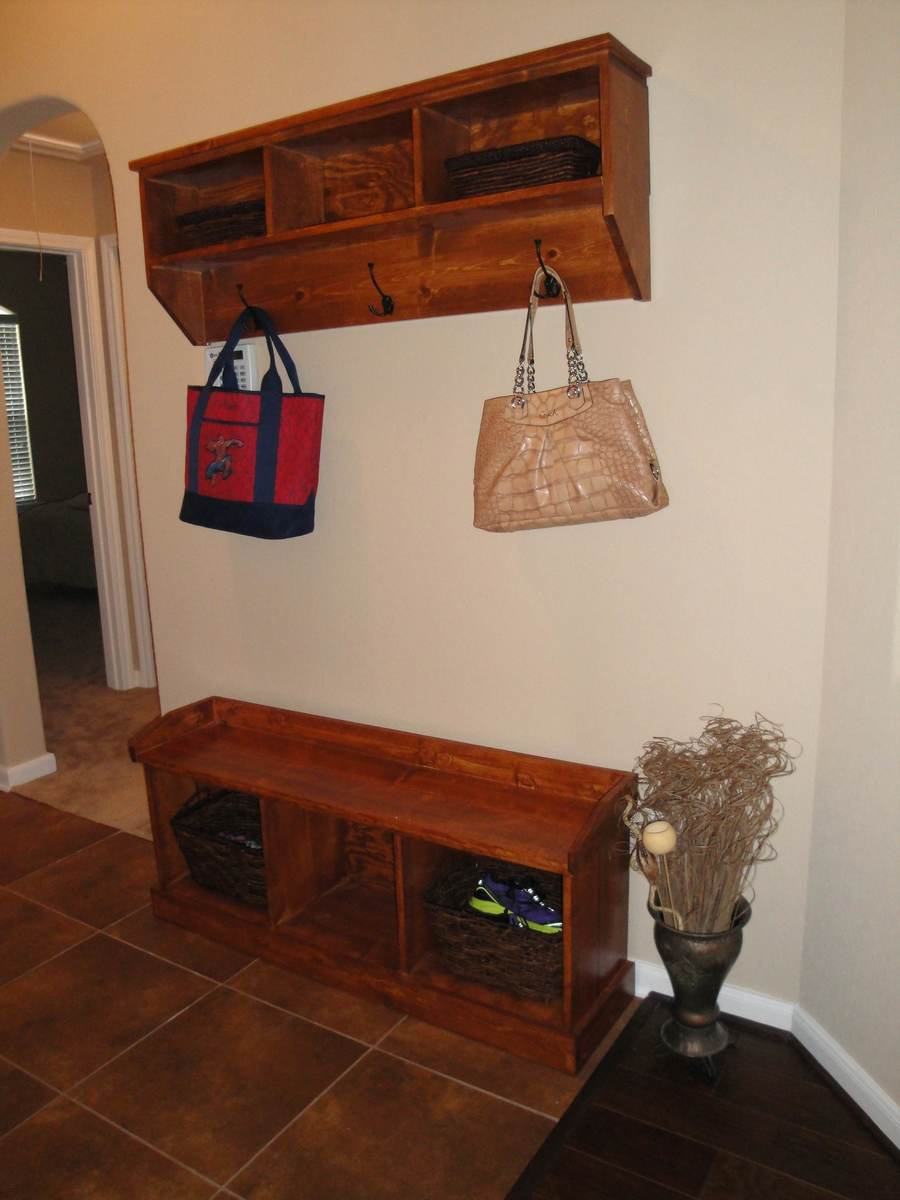 Entryway bench and shelf | Do It Yourself Home Projects from Ana White