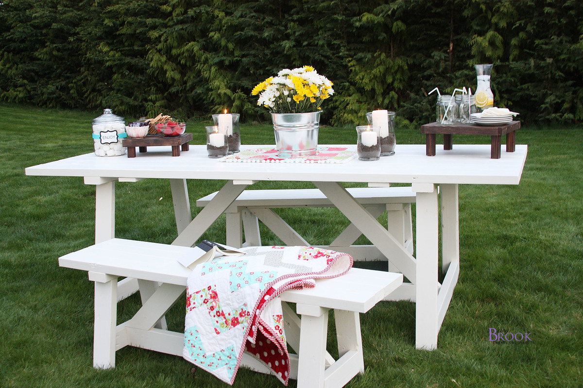 pretty country outdoor dining set