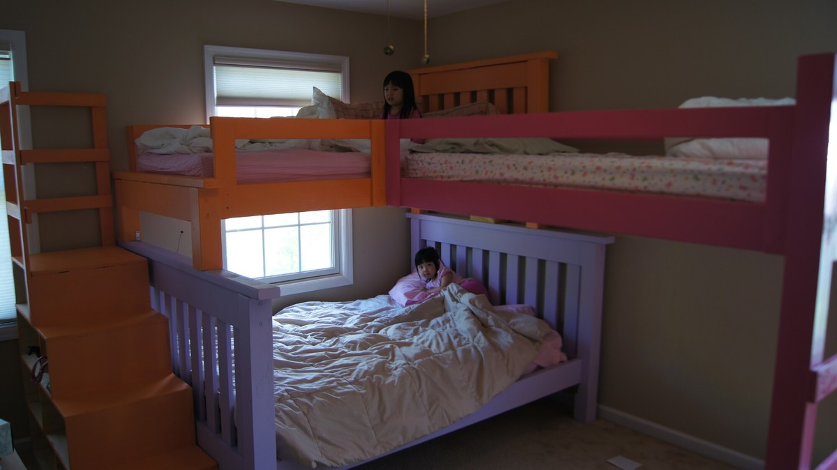 Stair Box In Bedroom: Simple Bunk Bed With A Triple Twist And Cubby