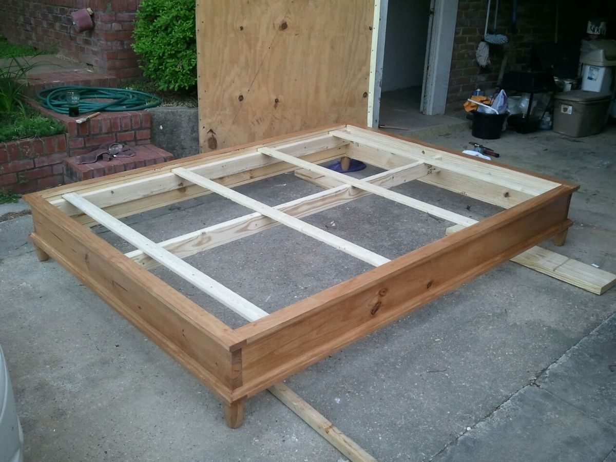 Built this as a platform bed for guest bedroom. Nice, sturdy bed.