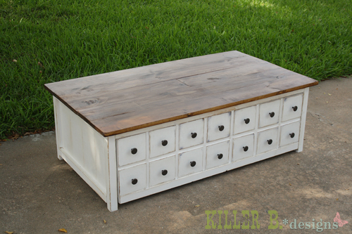 DIY this coffee table with a hidden storage toy box trundle! Free easy ...