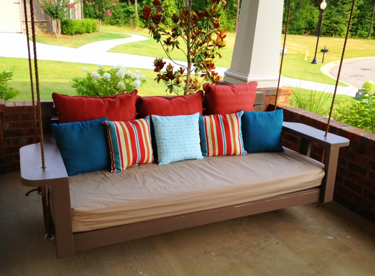 Swing Bed - Time to Relax! | Do It Yourself Home Projects from Ana ...