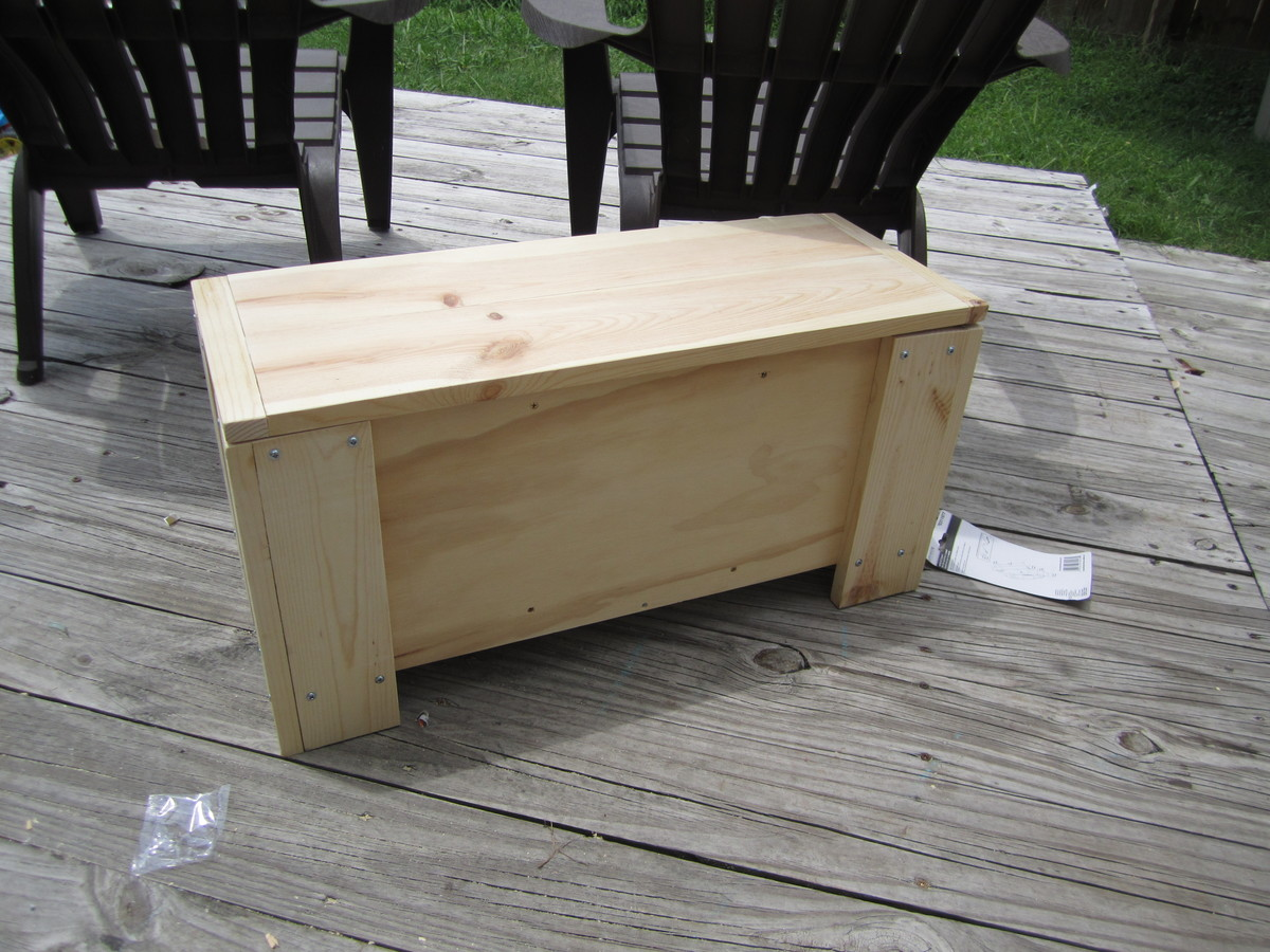 build your own toy chest bench | Quick Woodworking Projects