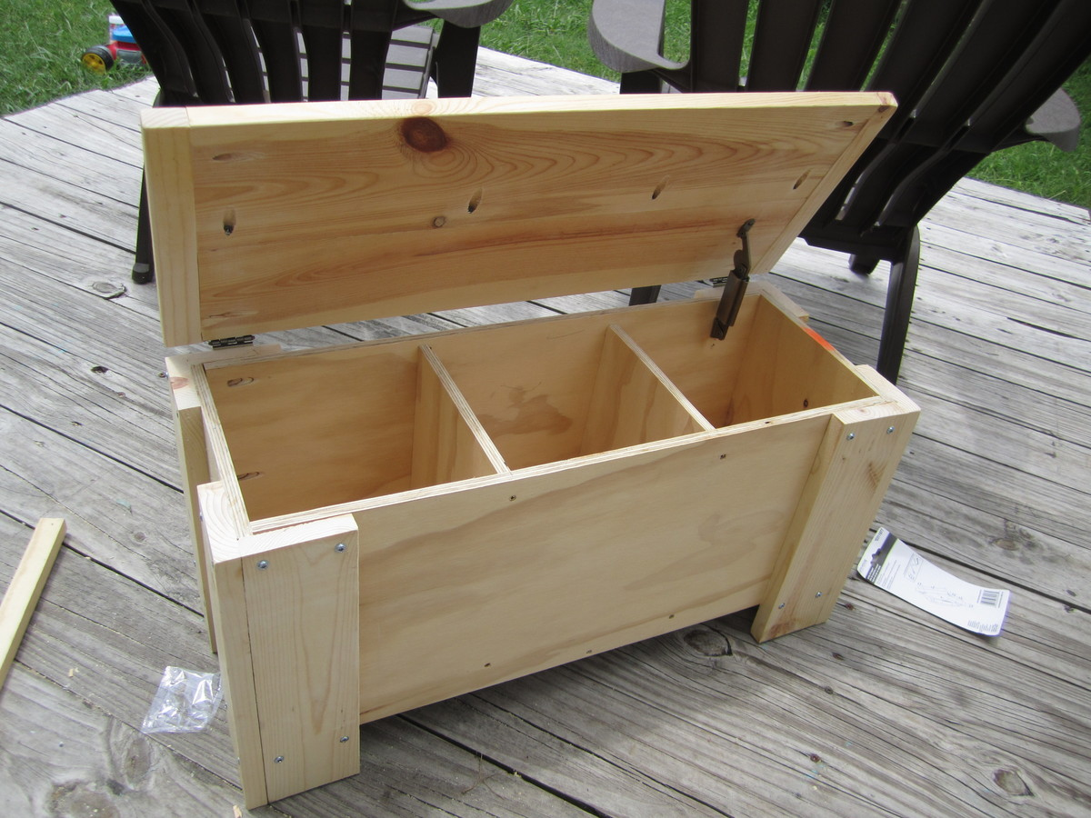 build a wooden storage bench