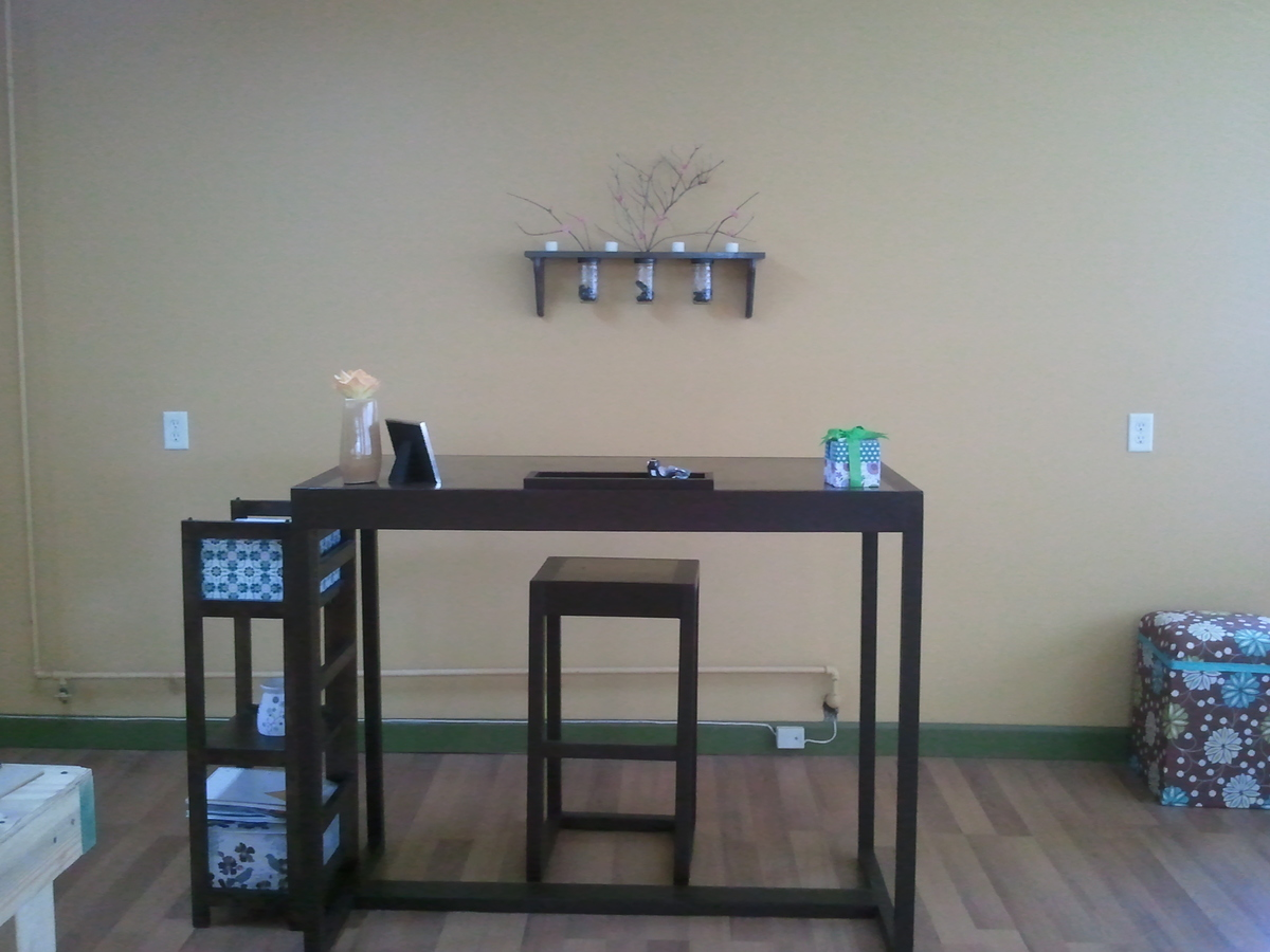 Wood plant simple desk plans diy for Do it yourself home bar designs