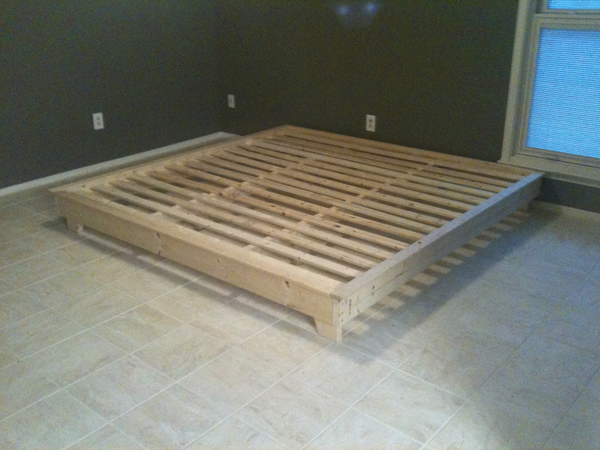 Ana White | King Sized Hailey Platform Bed - DIY Projects