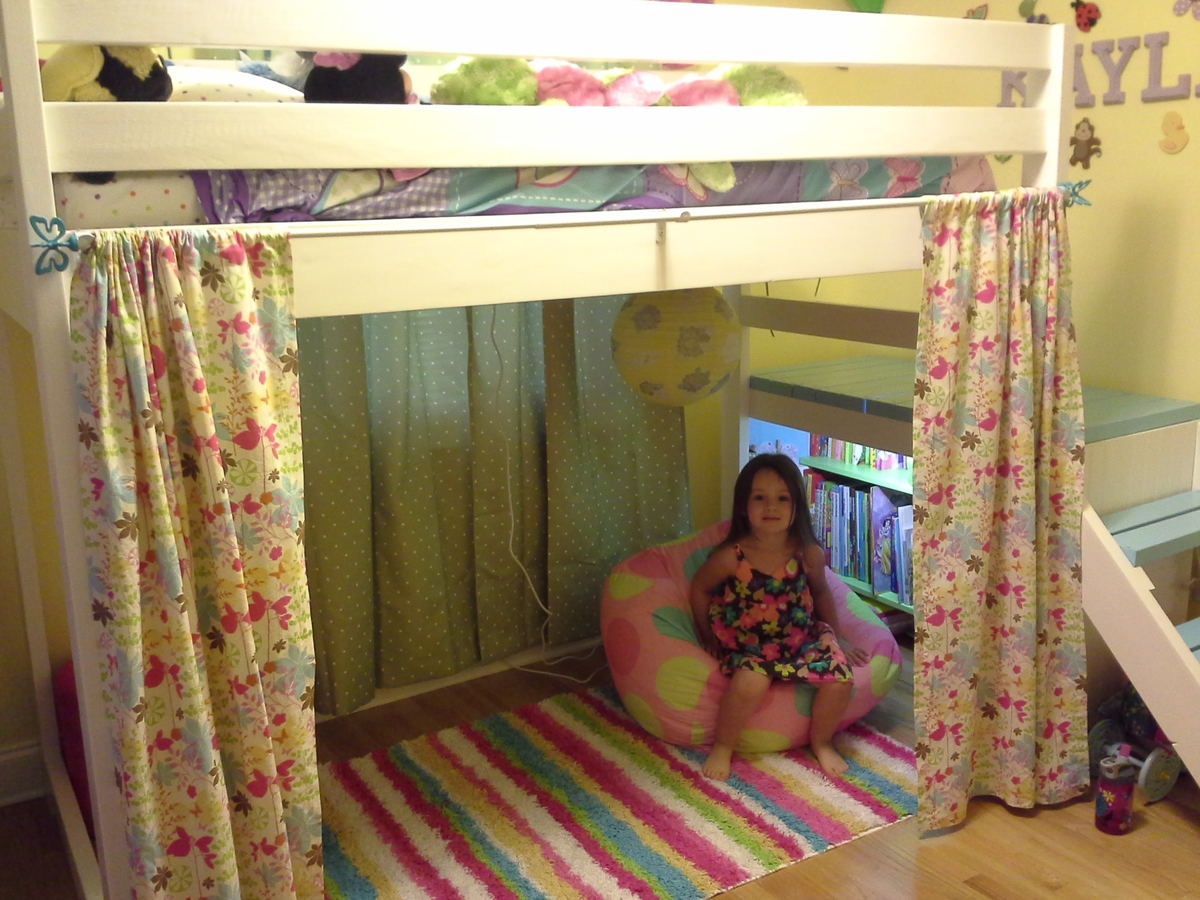 Camp Loft Bed with Added Book Shelf and Curtain. | Do It Yourself Home ...