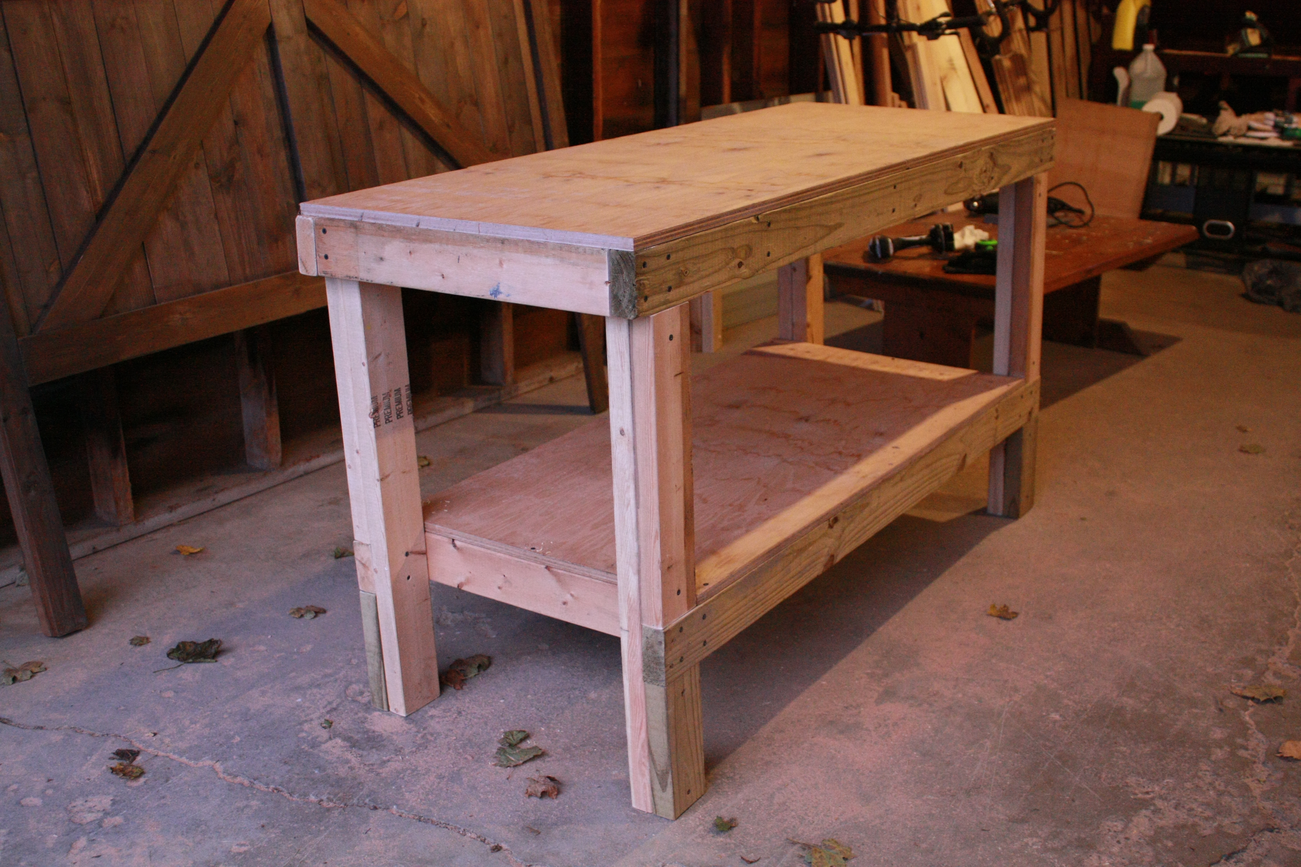 Do It Yourself Home Design: Quick & Easy Workbench - DIY Projects