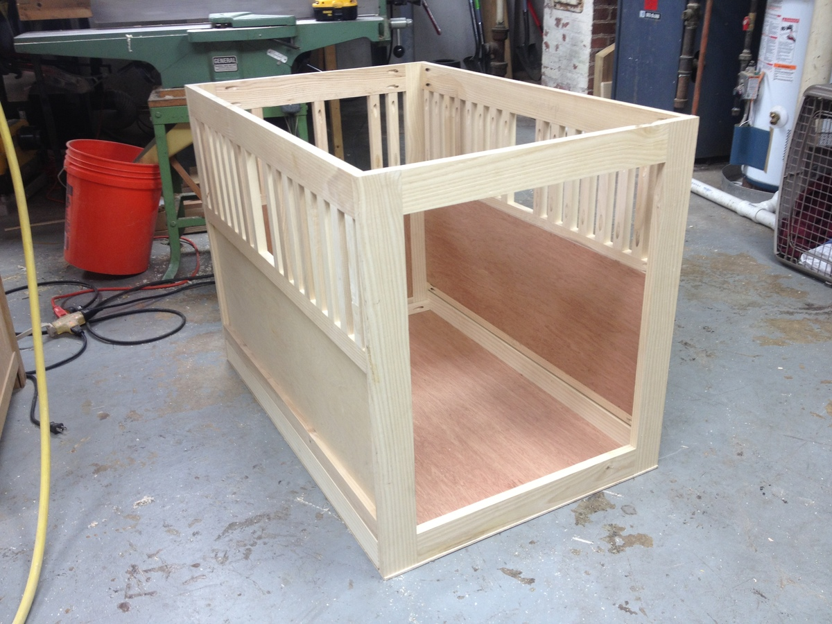 Dog crate furniture diy simple wire dog crate for your for Minimalist living with pets