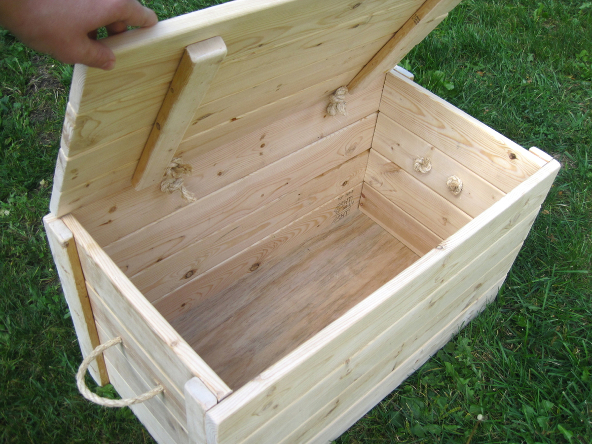 Large Wood Storage Chest | Do It Yourself Home Projects from Ana White