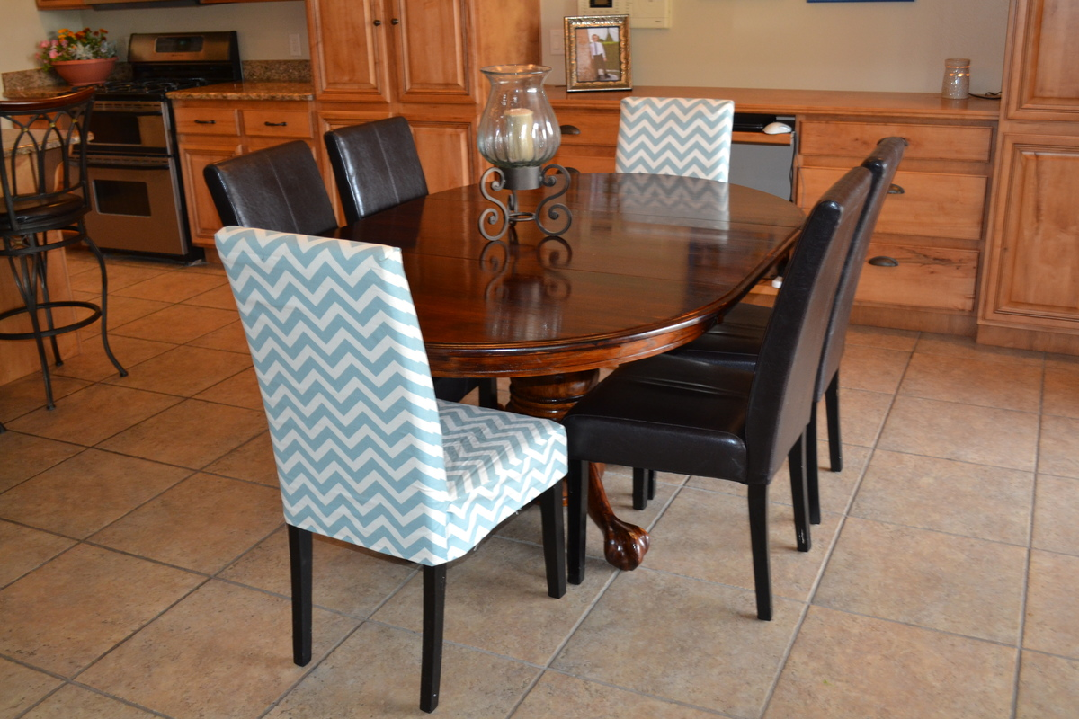 Dining room chair slipcover pattern - How To Make Chair Covers Wont Add Buttons But May Add A Ribbon Tie Diy Craft Ideas Pinterest Chair Covers