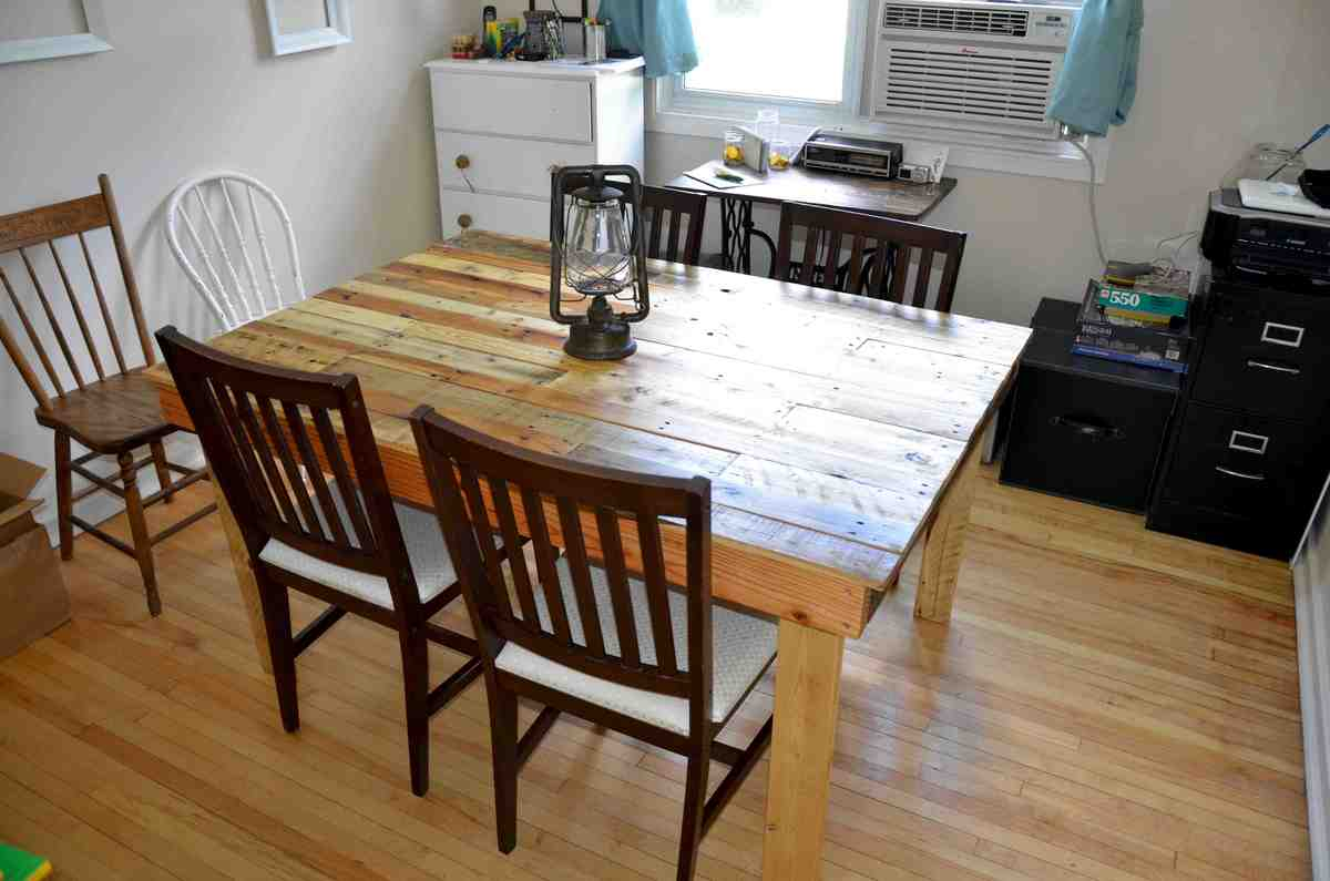 Ana White The Shipping Pallet Dining Table Diy Projects