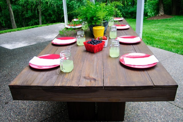 Ana White | Modern Outdoor Patio Table - DIY Projects