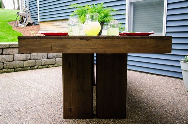 Backyard Table Diy : Ana White  Modern Outdoor Patio Table  DIY Projects