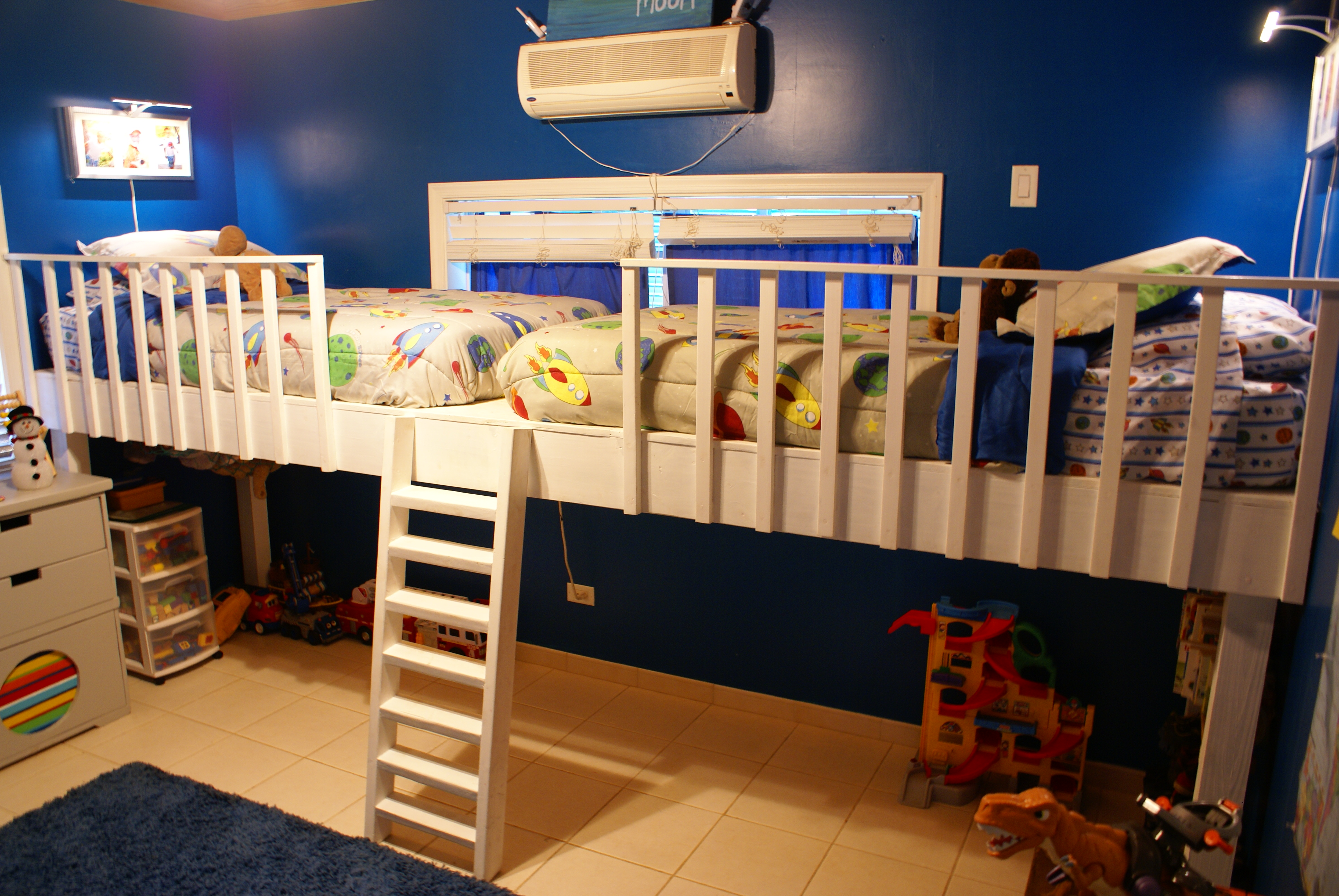 Picture of: Double Loft Bed Ana White