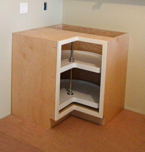 Diy diy corner cabinet lazy susan plans free for Building kitchen cabinets