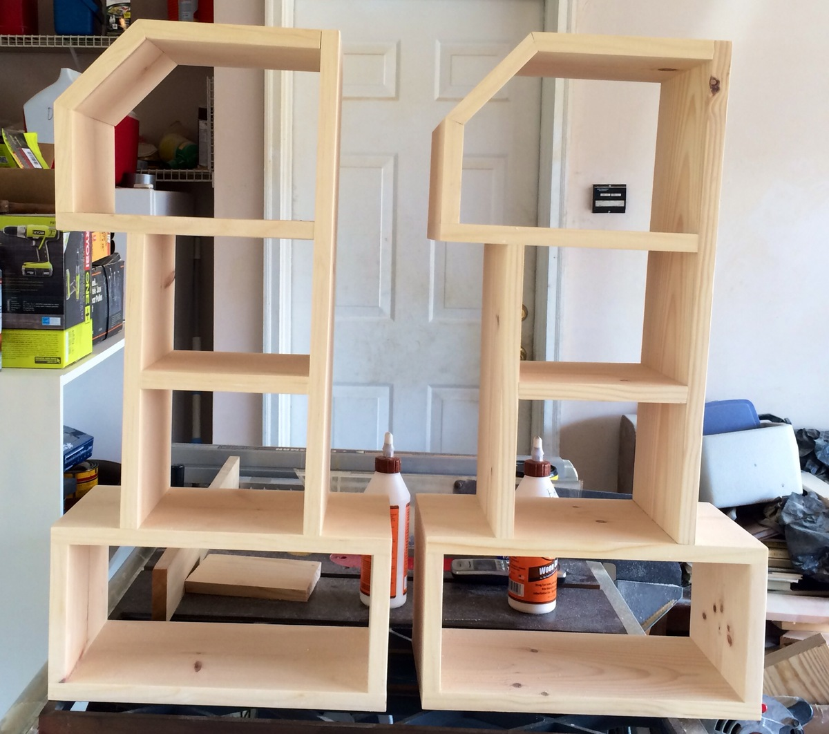 Number 1 Shelves | Do It Yourself Home Projects from Ana White 2048 x 1813