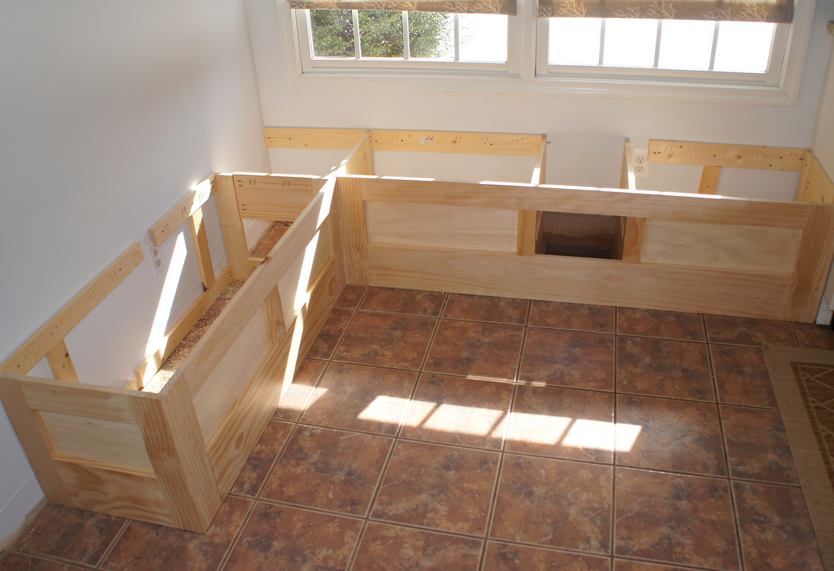Breakfast Nook Bench Seat With Storage This House Is So Cute And Its FOR SALE In Spanish Fork UT You Gotta Check It Out