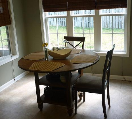 round kitchen table plans