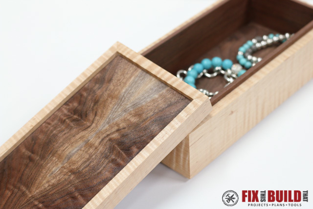 jewelry box with lid