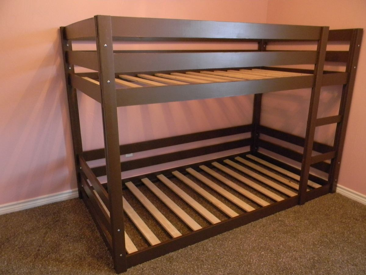 25 Diy Bunk Beds With Plans: Modified Classic Bunk Beds - DIY Projects