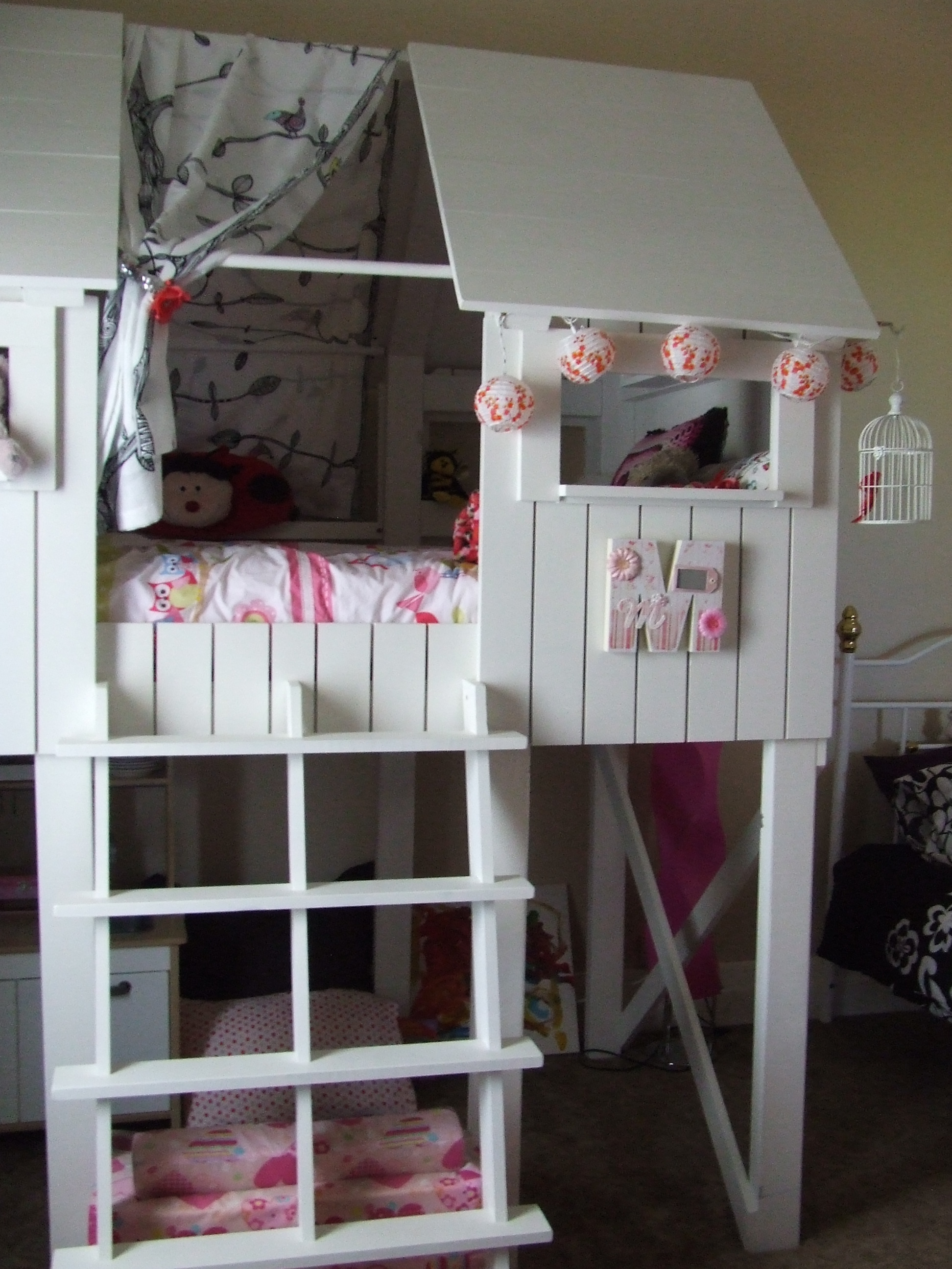 Ana White | beach hut bed - DIY Projects