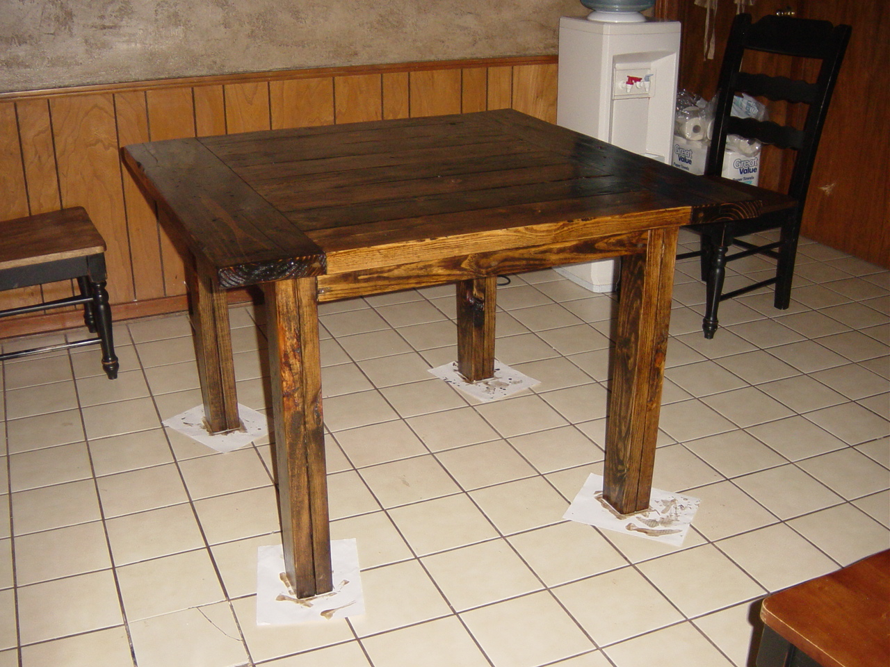 See The Do It Yourself Kitchen Table Plans