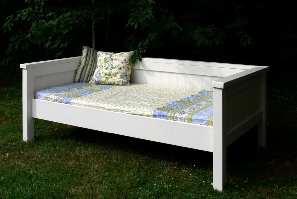 ana white simple daybed farmhouse bed hybrid diy projects