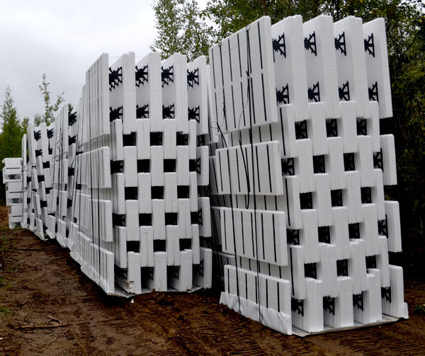Starting the walls ana white woodworking projects for Best icf blocks