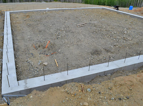 starting the walls - House Footer