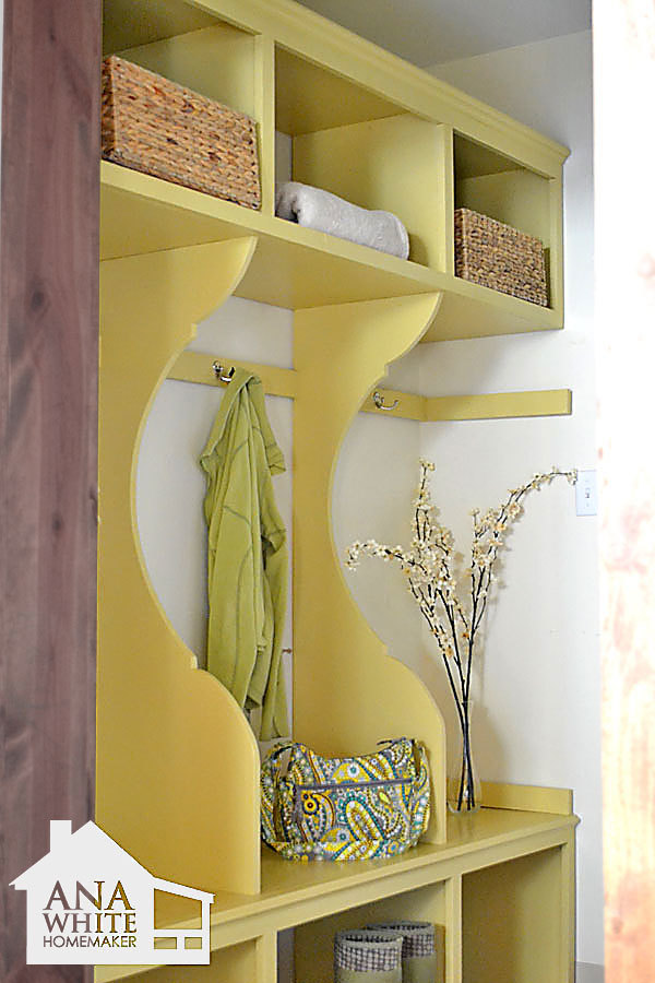 Diy corner mudroom locker joy studio design gallery for Locker decorations you can make at home