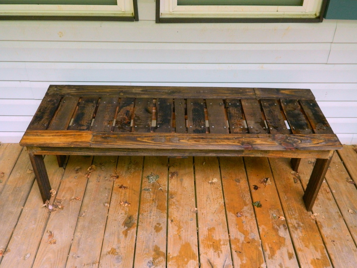 Benches Made From Pallets