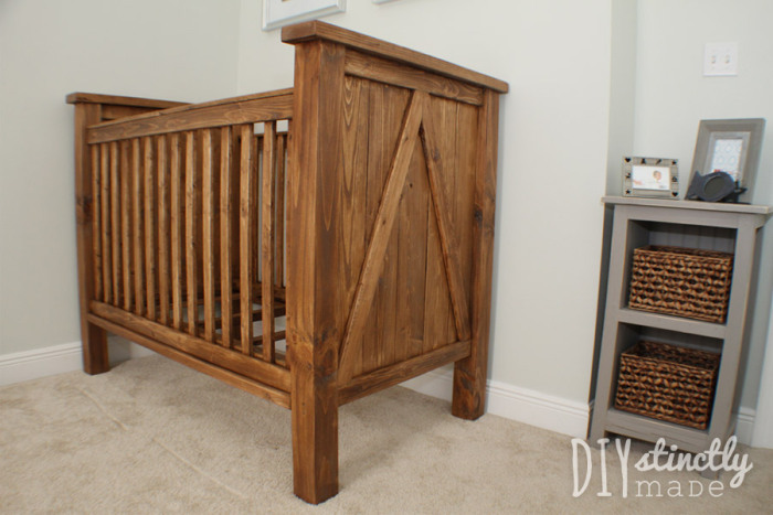 white diy farmhouse crib featuring diystinctly