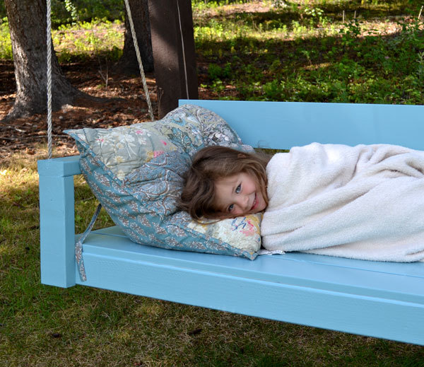 Ana white large modern porch swing or bench diy projects plans call for off the shelf dimensional lumber mostly 2x4s and standard screw joints painted a pretty blue turquoise color this porch swing is a breeze solutioingenieria Image collections