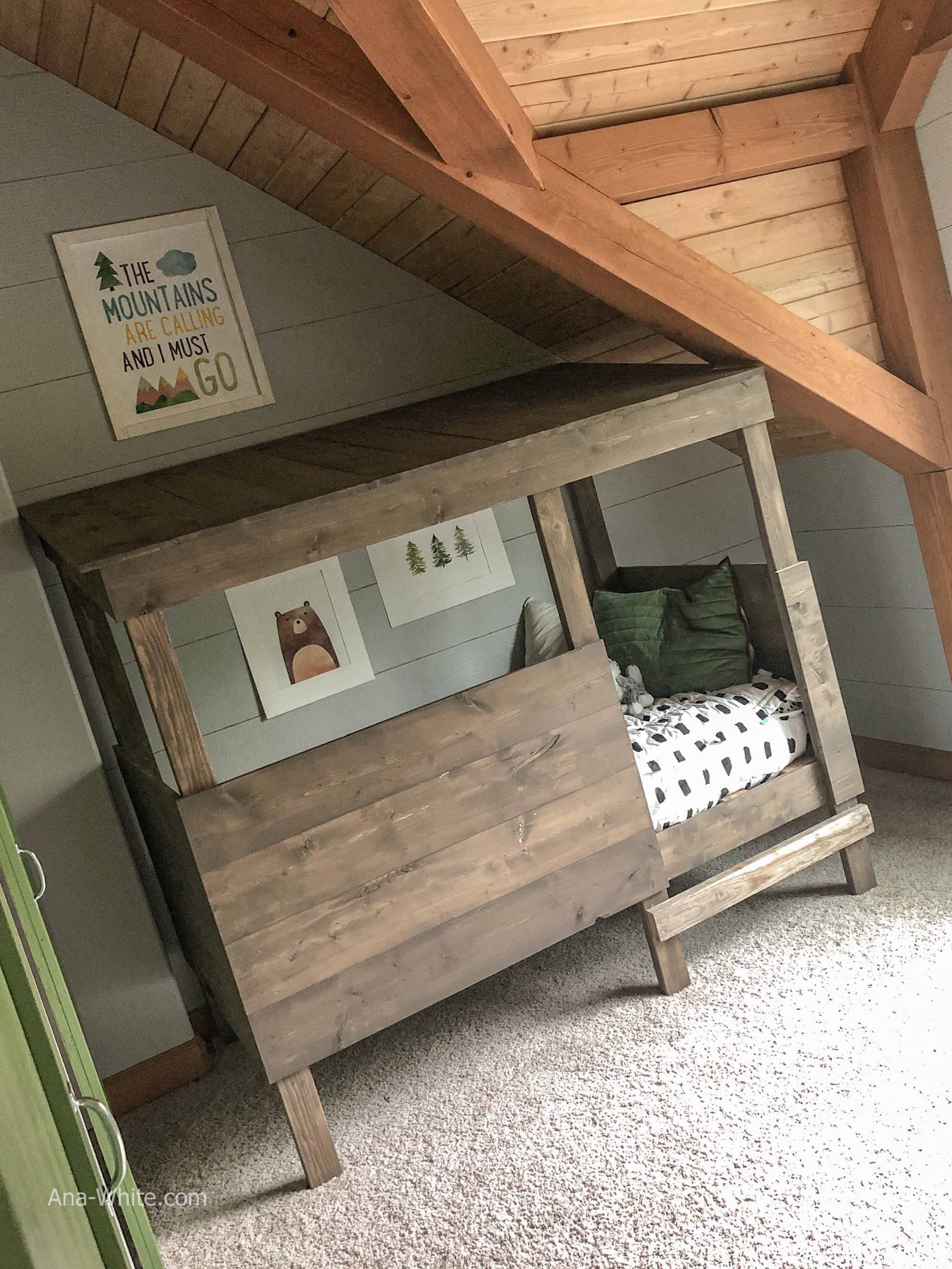 treehouse bed in woodland room