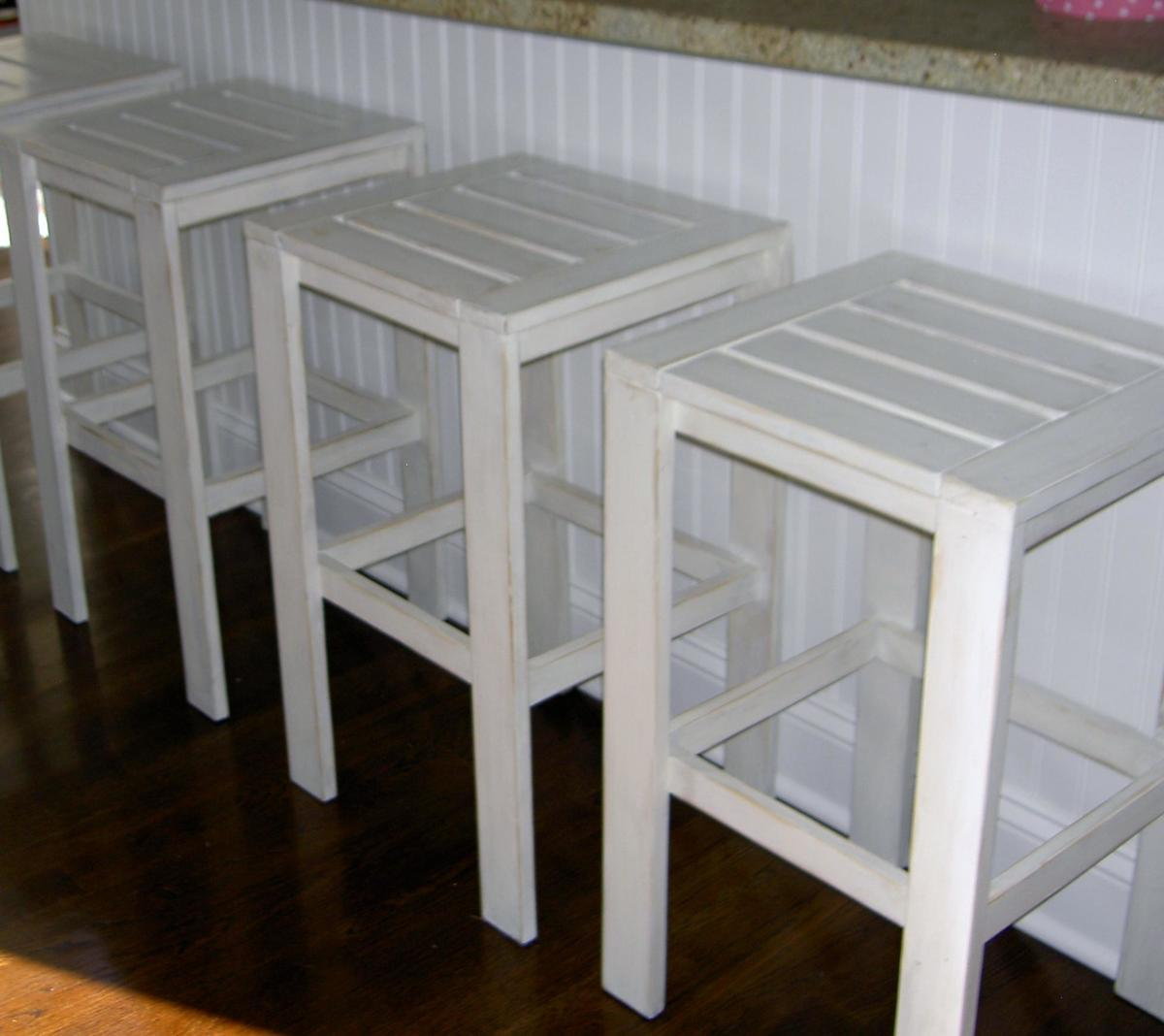 ... White | Build a Stools for the Bar Table for the Simple Outdoor