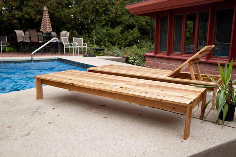 outdoor chaise lounge flat and inclined rest