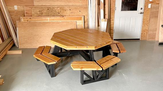 free plans for an octagon picnic table with open seats