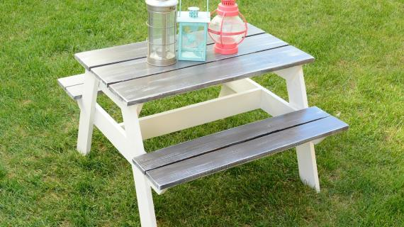 farmhouse style kids picnic table