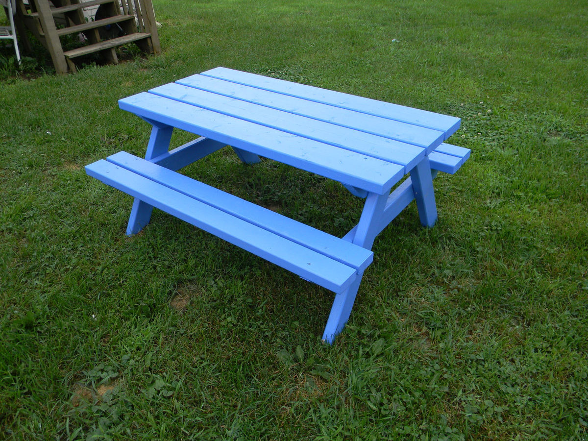 Ana White   Big Kids' Picnic Table - DIY Projects